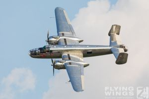 http://www.flying-wings.com/plugins/content/sige/plugin_sige/showthumb.php?img=/images/airshows/18_bias/Bulls3//BIAS_Flying_Bulls-6463_Zeitler.jpg&width=260&height=300&quality=80&ratio=1&crop=0&crop_factor=50&thumbdetail=0