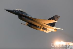 http://www.flying-wings.com/plugins/content/sige/plugin_sige/showthumb.php?img=/images/airshows/18_bias/RoAF2//BIAS_F-16-6303_Zeitler.jpg&width=396&height=300&quality=80&ratio=1&crop=0&crop_factor=50&thumbdetail=0