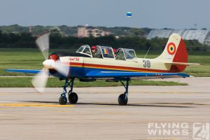 http://www.flying-wings.com/plugins/content/sige/plugin_sige/showthumb.php?img=/images/airshows/18_bias/RoAF2//BIAS_Yak-52-6238_Zeitler.jpg&width=396&height=300&quality=80&ratio=1&crop=0&crop_factor=50&thumbdetail=0