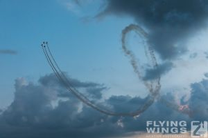 http://www.flying-wings.com/plugins/content/sige/plugin_sige/showthumb.php?img=/images/airshows/18_bias/gallery//BIAS_Aerobatics-6525_Zeitler.jpg&width=180&height=200&quality=80&ratio=1&crop=0&crop_factor=50&thumbdetail=0
