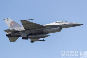 http://www.flying-wings.com/plugins/content/sige/plugin_sige/showthumb.php?img=/images/airshows/18_bias/gallery//BIAS_F-16-5448_Zeitler.jpg&width=180&height=200&quality=80&ratio=1&crop=0&crop_factor=50&thumbdetail=0