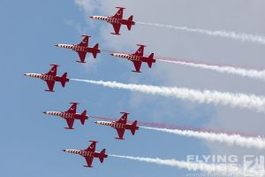 http://www.flying-wings.com/plugins/content/sige/plugin_sige/showthumb.php?img=/images/airshows/18_bias/gallery//BIAS_Turkish_Stars-5911_Zeitler.jpg&width=180&height=200&quality=80&ratio=1&crop=0&crop_factor=50&thumbdetail=0