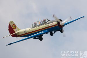 http://www.flying-wings.com/plugins/content/sige/plugin_sige/showthumb.php?img=/images/airshows/18_bias/gallery//BIAS_Yak-52-5346_Zeitler.jpg&width=180&height=200&quality=80&ratio=1&crop=0&crop_factor=50&thumbdetail=0