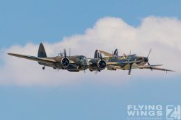 http://www.flying-wings.com/plugins/content/sige/plugin_sige/showthumb.php?img=/images/airshows/18_duxford/Blenheim6//Duxford_Legends_Formation-1491_Zeitler.jpg&width=260&height=300&quality=80&ratio=1&crop=0&crop_factor=50&thumbdetail=0