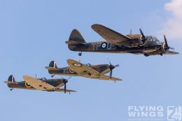 http://www.flying-wings.com/plugins/content/sige/plugin_sige/showthumb.php?img=/images/airshows/18_duxford/Blenheim6//Duxford_Legends_Formation-1504_Zeitler.jpg&width=260&height=300&quality=80&ratio=1&crop=0&crop_factor=50&thumbdetail=0
