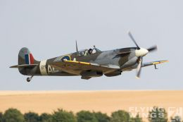 http://www.flying-wings.com/plugins/content/sige/plugin_sige/showthumb.php?img=/images/airshows/18_duxford/Bulls2//Duxford_Legends_Balbo-2224_Zeitler.jpg&width=260&height=400&quality=80&ratio=1&crop=0&crop_factor=50&thumbdetail=0