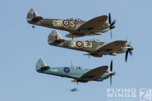 http://www.flying-wings.com/plugins/content/sige/plugin_sige/showthumb.php?img=/images/airshows/18_duxford/Bulls2//Duxford_Legends_Balbo-2318_Zeitler.jpg&width=260&height=400&quality=80&ratio=1&crop=0&crop_factor=50&thumbdetail=0