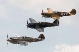 http://www.flying-wings.com/plugins/content/sige/plugin_sige/showthumb.php?img=/images/airshows/18_duxford/Curtiss3/Duxford_Legends_Curitss_Hawks-1831_Zeitler.jpg&width=260&height=300&quality=80&ratio=1&crop=0&crop_factor=50&thumbdetail=0