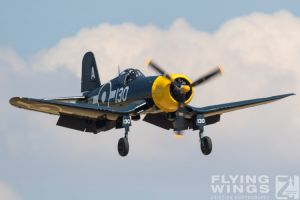 http://www.flying-wings.com/plugins/content/sige/plugin_sige/showthumb.php?img=/images/airshows/18_duxford/Gallery//Duxford_Legends_Bearcat_Corsair-1230_Zeitler.jpg&width=180&height=200&quality=80&ratio=1&crop=0&crop_factor=50&thumbdetail=0