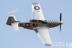 http://www.flying-wings.com/plugins/content/sige/plugin_sige/showthumb.php?img=/images/airshows/18_duxford/Gallery//Duxford_Legends_P-51-9969_Zeitler.jpg&width=180&height=200&quality=80&ratio=1&crop=0&crop_factor=50&thumbdetail=0