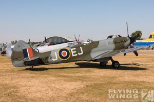 http://www.flying-wings.com/plugins/content/sige/plugin_sige/showthumb.php?img=/images/airshows/18_duxford/Gallery//Duxford_Legends_Static-2933_Zeitler.jpg&width=180&height=200&quality=80&ratio=1&crop=0&crop_factor=50&thumbdetail=0