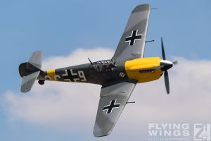 http://www.flying-wings.com/plugins/content/sige/plugin_sige/showthumb.php?img=/images/airshows/18_duxford/Gallery//Duxford_Legends_White_9-1568_Zeitler.jpg&width=180&height=200&quality=80&ratio=1&crop=0&crop_factor=50&thumbdetail=0