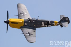 http://www.flying-wings.com/plugins/content/sige/plugin_sige/showthumb.php?img=/images/airshows/18_duxford/Gallery//Duxford_Legends_White_9-1599_Zeitler.jpg&width=180&height=200&quality=80&ratio=1&crop=0&crop_factor=50&thumbdetail=0