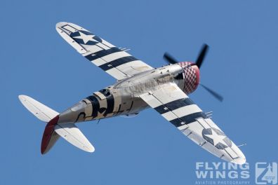 http://www.flying-wings.com/plugins/content/sige/plugin_sige/showthumb.php?img=/images/airshows/18_duxford/USAAF2//Duxford_Legends_P-47-1858_Zeitler.jpg&width=396&height=300&quality=80&ratio=1&crop=0&crop_factor=50&thumbdetail=0