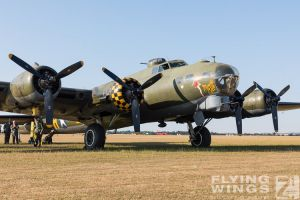http://www.flying-wings.com/plugins/content/sige/plugin_sige/showthumb.php?img=/images/airshows/18_duxford/USAAF2//Duxford_Legends_Static-2703_Zeitler.jpg&width=396&height=300&quality=80&ratio=1&crop=0&crop_factor=50&thumbdetail=0