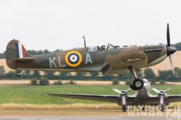 http://www.flying-wings.com/plugins/content/sige/plugin_sige/showthumb.php?img=/images/airshows/18_duxford/so23//Duxford_Legends_Spitfire-1883_Zeitler.jpg&width=260&height=300&quality=80&ratio=1&crop=0&crop_factor=50&thumbdetail=0