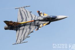 http://www.flying-wings.com/plugins/content/sige/plugin_sige/showthumb.php?img=/images/airshows/18_siaf/Czech_Gripen/SIAF_Gripen_Czech-8099_Zeitler.jpg&width=260&height=300&quality=80&ratio=1&crop=0&crop_factor=50&thumbdetail=0