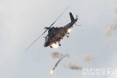http://www.flying-wings.com/plugins/content/sige/plugin_sige/showthumb.php?img=/images/airshows/18_siaf/Mi-24_Pol/zSIAF_A109_Belgium-9156_Zeitler.jpg&width=396&height=300&quality=80&ratio=1&crop=0&crop_factor=50&thumbdetail=0