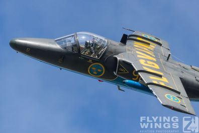 http://www.flying-wings.com/plugins/content/sige/plugin_sige/showthumb.php?img=/images/airshows/18_siaf/MiG/SIAF_Sk60_Sweden-8377_Zeitler.jpg&width=396&height=300&quality=80&ratio=1&crop=0&crop_factor=50&thumbdetail=0