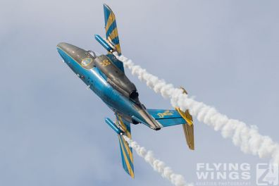 http://www.flying-wings.com/plugins/content/sige/plugin_sige/showthumb.php?img=/images/airshows/18_siaf/MiG/SIAF_Sk60_Sweden-9006_Zeitler.jpg&width=396&height=300&quality=80&ratio=1&crop=0&crop_factor=50&thumbdetail=0
