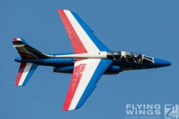 http://www.flying-wings.com/plugins/content/sige/plugin_sige/showthumb.php?img=/images/airshows/18_siaf/Teams/SIAF_Patrouille_de_France-7263_Zeitler.jpg&width=260&height=300&quality=80&ratio=1&crop=0&crop_factor=50&thumbdetail=0