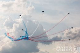 http://www.flying-wings.com/plugins/content/sige/plugin_sige/showthumb.php?img=/images/airshows/18_siaf/Teams/SIAF_Patrouille_de_France-7305_Zeitler.jpg&width=260&height=300&quality=80&ratio=1&crop=0&crop_factor=50&thumbdetail=0
