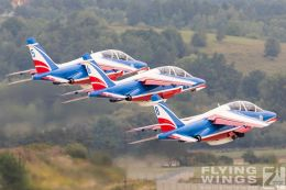 http://www.flying-wings.com/plugins/content/sige/plugin_sige/showthumb.php?img=/images/airshows/18_siaf/Teams/SIAF_Patrouille_de_France-7951_Zeitler.jpg&width=260&height=300&quality=80&ratio=1&crop=0&crop_factor=50&thumbdetail=0