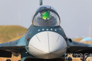 http://www.flying-wings.com/plugins/content/sige/plugin_sige/showthumb.php?img=/images/airshows/18_tsuiki/gallery/Tsuiki_Airshow_F-2-2713_Zeitler.jpg&width=180&height=200&quality=80&ratio=1&crop=0&crop_factor=50&thumbdetail=0