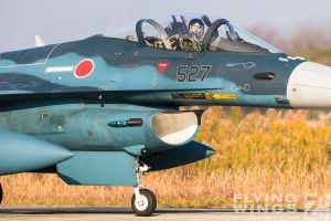 http://www.flying-wings.com/plugins/content/sige/plugin_sige/showthumb.php?img=/images/airshows/18_tsuiki/gallery/Tsuiki_Airshow_F-2_6-ship-5601_Zeitler.jpg&width=180&height=200&quality=80&ratio=1&crop=0&crop_factor=50&thumbdetail=0