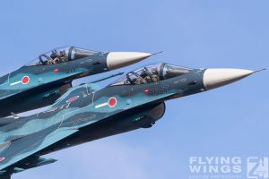 http://www.flying-wings.com/plugins/content/sige/plugin_sige/showthumb.php?img=/images/airshows/18_tsuiki/gallery/Tsuiki_Airshow_F-2_Duo-6167_Zeitler.jpg&width=180&height=200&quality=80&ratio=1&crop=0&crop_factor=50&thumbdetail=0