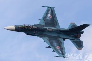 http://www.flying-wings.com/plugins/content/sige/plugin_sige/showthumb.php?img=/images/airshows/18_tsuiki/gallery/Tsuiki_Airshow_F-2_Duo-6315_Zeitler.jpg&width=180&height=200&quality=80&ratio=1&crop=0&crop_factor=50&thumbdetail=0
