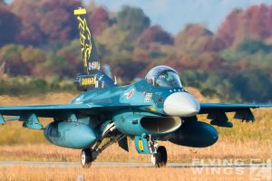 http://www.flying-wings.com/plugins/content/sige/plugin_sige/showthumb.php?img=/images/airshows/18_tsuiki/gallery/Tsuiki_Airshow_F-2_specials-5627_Zeitler.jpg&width=180&height=200&quality=80&ratio=1&crop=0&crop_factor=50&thumbdetail=0