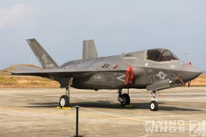 http://www.flying-wings.com/plugins/content/sige/plugin_sige/showthumb.php?img=/images/airshows/18_tsuiki/gallery/Tsuiki_Airshow_F-35-2629_Zeitler.jpg&width=180&height=200&quality=80&ratio=1&crop=0&crop_factor=50&thumbdetail=0