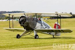 http://www.flying-wings.com/plugins/content/sige/plugin_sige/showthumb.php?img=/images/airshows/19_Hahnweide/Buecker_6/Hahnweide19_Bücker-9216_Zeitler.jpg&width=260&height=300&quality=80&ratio=1&crop=0&crop_factor=50&thumbdetail=0