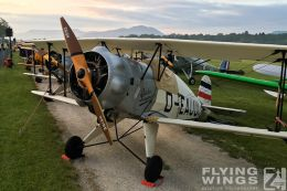 http://www.flying-wings.com/plugins/content/sige/plugin_sige/showthumb.php?img=/images/airshows/19_Hahnweide/Buecker_6/_Bücker-7663_Zeitler.jpg&width=260&height=300&quality=80&ratio=1&crop=0&crop_factor=50&thumbdetail=0