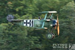 http://www.flying-wings.com/plugins/content/sige/plugin_sige/showthumb.php?img=/images/airshows/19_Hahnweide/Carlson_6/Hahnweide19_Fokker_DrI-9779_Zeitler.jpg&width=260&height=300&quality=80&ratio=1&crop=0&crop_factor=50&thumbdetail=0