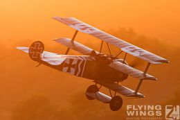 http://www.flying-wings.com/plugins/content/sige/plugin_sige/showthumb.php?img=/images/airshows/19_Hahnweide/Carlson_6/Hahnweide19_Fokker_DrI-9784_Zeitler.jpg&width=260&height=300&quality=80&ratio=1&crop=0&crop_factor=50&thumbdetail=0