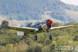 http://www.flying-wings.com/plugins/content/sige/plugin_sige/showthumb.php?img=/images/airshows/19_Hahnweide/Warbirds_9/Hahnweide19_P-40_Kittyhawk-6074_Zeitler.jpg&width=260&height=300&quality=80&ratio=1&crop=0&crop_factor=50&thumbdetail=0