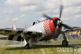 http://www.flying-wings.com/plugins/content/sige/plugin_sige/showthumb.php?img=/images/airshows/19_Hahnweide/Warbirds_9/Hahnweide19_P-47-2993_Zeitler.jpg&width=260&height=300&quality=80&ratio=1&crop=0&crop_factor=50&thumbdetail=0