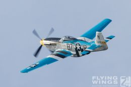 http://www.flying-wings.com/plugins/content/sige/plugin_sige/showthumb.php?img=/images/airshows/19_Hahnweide/Warbirds_9/Hahnweide19_P-51-9057_Zeitler.jpg&width=260&height=300&quality=80&ratio=1&crop=0&crop_factor=50&thumbdetail=0