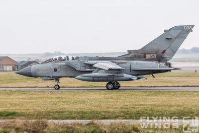 http://www.flying-wings.com/plugins/content/sige/plugin_sige/showthumb.php?img=/images/airshows/19_Marham/Tornado2/RAF_Tornado_GR4_Marham-6806_Zeitler.jpg&width=396&height=300&quality=80&ratio=1&crop=0&crop_factor=50&thumbdetail=0
