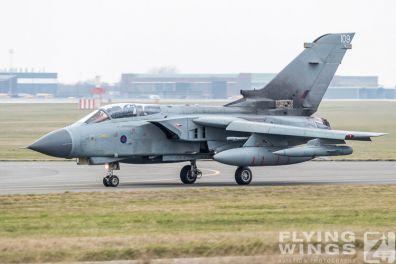 http://www.flying-wings.com/plugins/content/sige/plugin_sige/showthumb.php?img=/images/airshows/19_Marham/Tornado2/RAF_Tornado_GR4_Marham-9478_Zeitler.jpg&width=396&height=300&quality=80&ratio=1&crop=0&crop_factor=50&thumbdetail=0