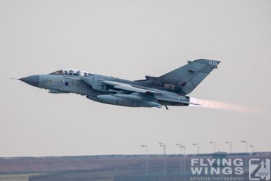 http://www.flying-wings.com/plugins/content/sige/plugin_sige/showthumb.php?img=/images/airshows/19_Marham/afterburner2/RAF_Tornado_GR4_Marham-6855_Zeitler.jpg&width=396&height=300&quality=80&ratio=1&crop=0&crop_factor=50&thumbdetail=0