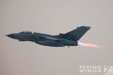 http://www.flying-wings.com/plugins/content/sige/plugin_sige/showthumb.php?img=/images/airshows/19_Marham/afterburner2/RAF_Tornado_GR4_Marham-6944_Zeitler.jpg&width=396&height=300&quality=80&ratio=1&crop=0&crop_factor=50&thumbdetail=0