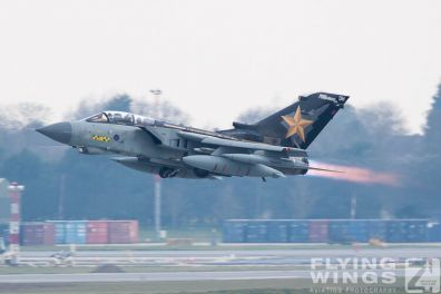 http://www.flying-wings.com/plugins/content/sige/plugin_sige/showthumb.php?img=/images/airshows/19_Marham/afterburner2/RAF_Tornado_GR4_Marham-9426_Zeitler.jpg&width=396&height=300&quality=80&ratio=1&crop=0&crop_factor=50&thumbdetail=0