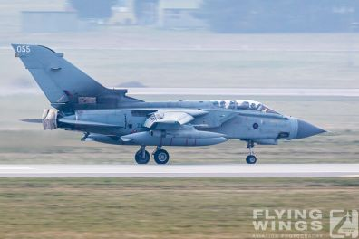 http://www.flying-wings.com/plugins/content/sige/plugin_sige/showthumb.php?img=/images/airshows/19_Marham/final2/RAF_Tornado_GR4_Marham-9565_Zeitler.jpg&width=396&height=300&quality=80&ratio=1&crop=0&crop_factor=50&thumbdetail=0