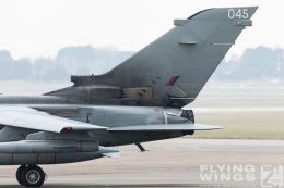 http://www.flying-wings.com/plugins/content/sige/plugin_sige/showthumb.php?img=/images/airshows/19_Marham/gallery/RAF_Tornado_GR4_Marham-6749_Zeitler.jpg&width=260&height=400&quality=80&ratio=1&crop=0&crop_factor=50&thumbdetail=0
