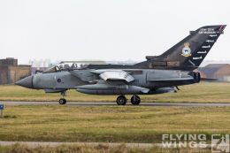 http://www.flying-wings.com/plugins/content/sige/plugin_sige/showthumb.php?img=/images/airshows/19_Marham/gallery/RAF_Tornado_GR4_Marham-6837_Zeitler.jpg&width=260&height=400&quality=80&ratio=1&crop=0&crop_factor=50&thumbdetail=0