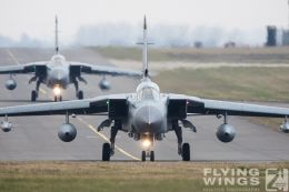 http://www.flying-wings.com/plugins/content/sige/plugin_sige/showthumb.php?img=/images/airshows/19_Marham/gallery/RAF_Tornado_GR4_Marham-6874_Zeitler.jpg&width=260&height=400&quality=80&ratio=1&crop=0&crop_factor=50&thumbdetail=0
