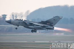 http://www.flying-wings.com/plugins/content/sige/plugin_sige/showthumb.php?img=/images/airshows/19_Marham/gallery/RAF_Tornado_GR4_Marham-6916_Zeitler.jpg&width=260&height=400&quality=80&ratio=1&crop=0&crop_factor=50&thumbdetail=0